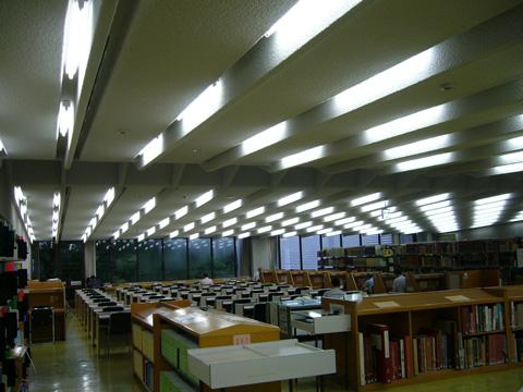 中央立図書館5 参考閲覧室 自習室(外部より) 案内板 建物概要 設計は(株)山下設計 ...