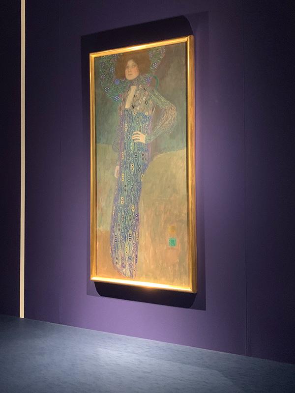 """グスタフ・クリムト作""""エミーリエ・フレーゲの肖像""""。"""