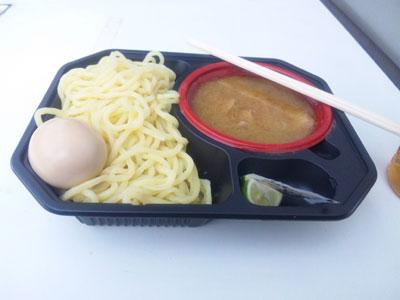 濃厚スープのつけめんです。