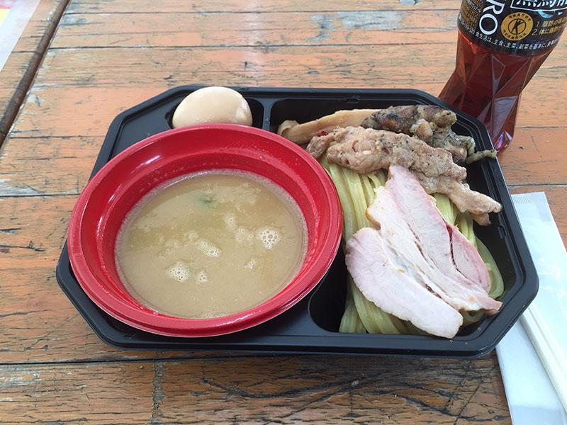 麺屋 翔の鶏白湯つけ麺、トッピング全部乗せ。