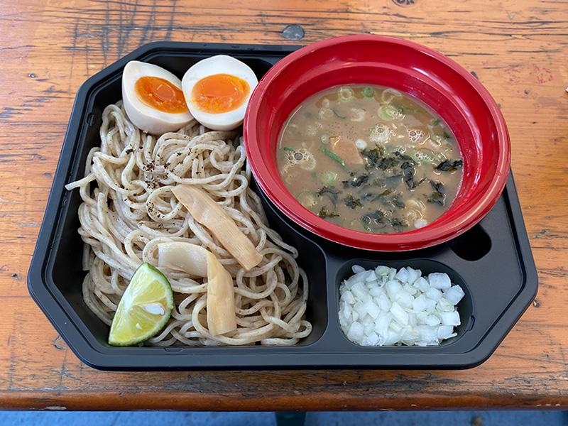 麺匠たか松のつけ麺(鶏魚介)、トッピング味玉。